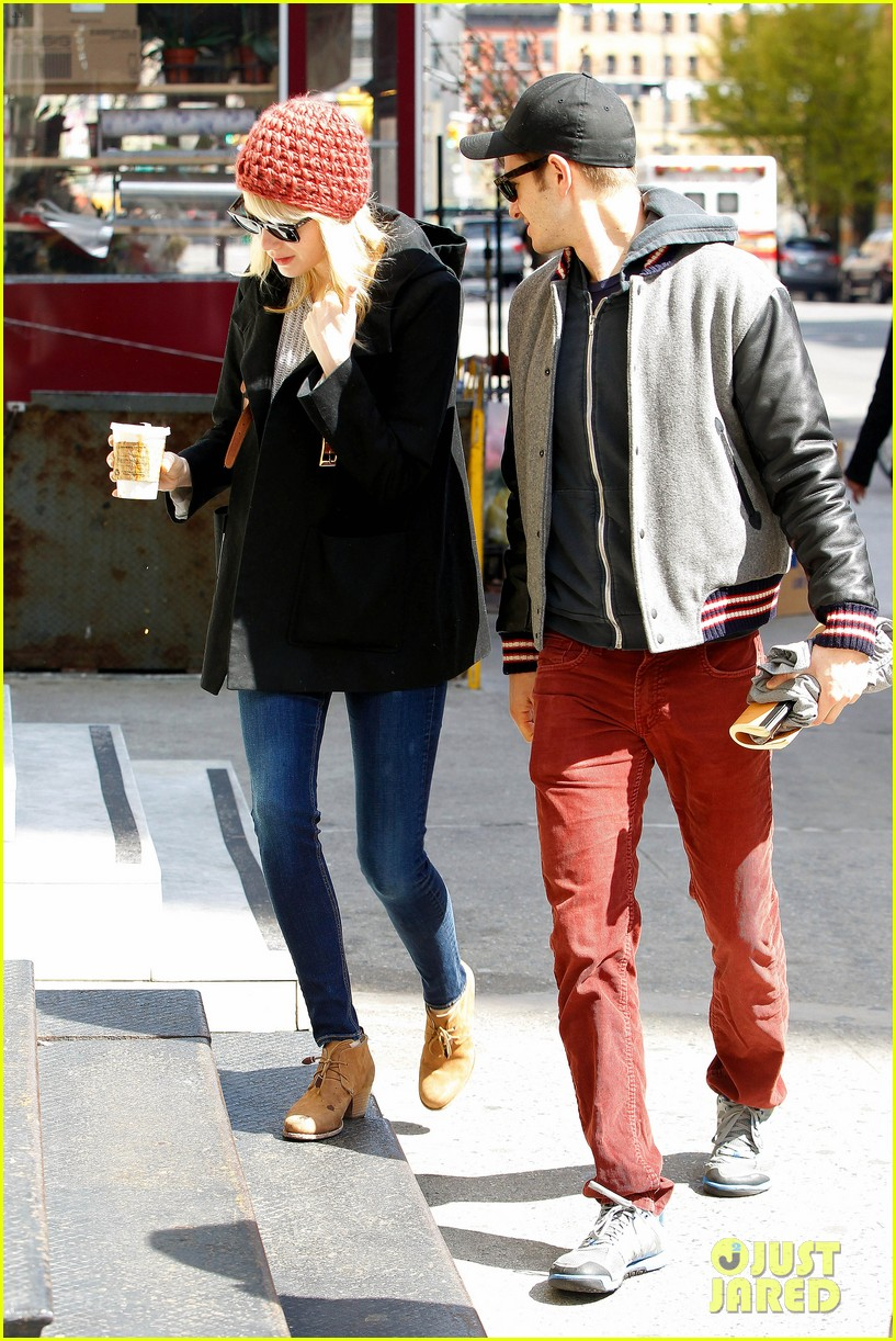 emma stone andrew garfield bubbys coffee couple 032855798