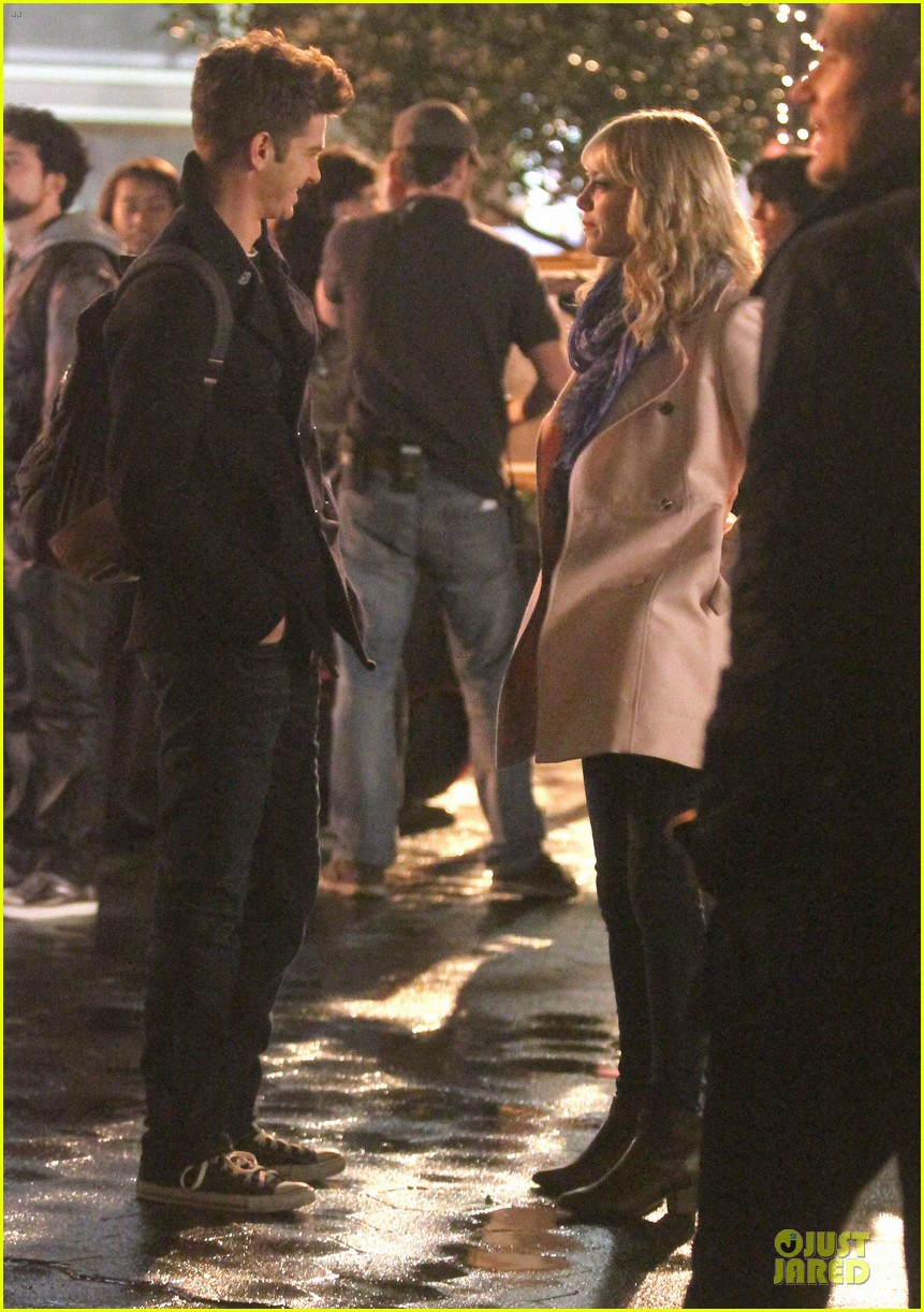 emma stone andrew garfield night scenes on amazing spiderman 2 set 142851761