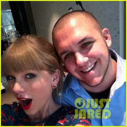 taylor swift brings cancer survivor to acm awards 2013 06