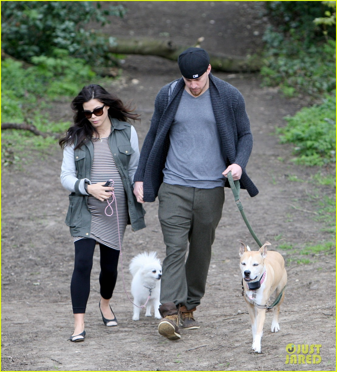 channing tatum pregnant jenna dewan london dog walk 10
