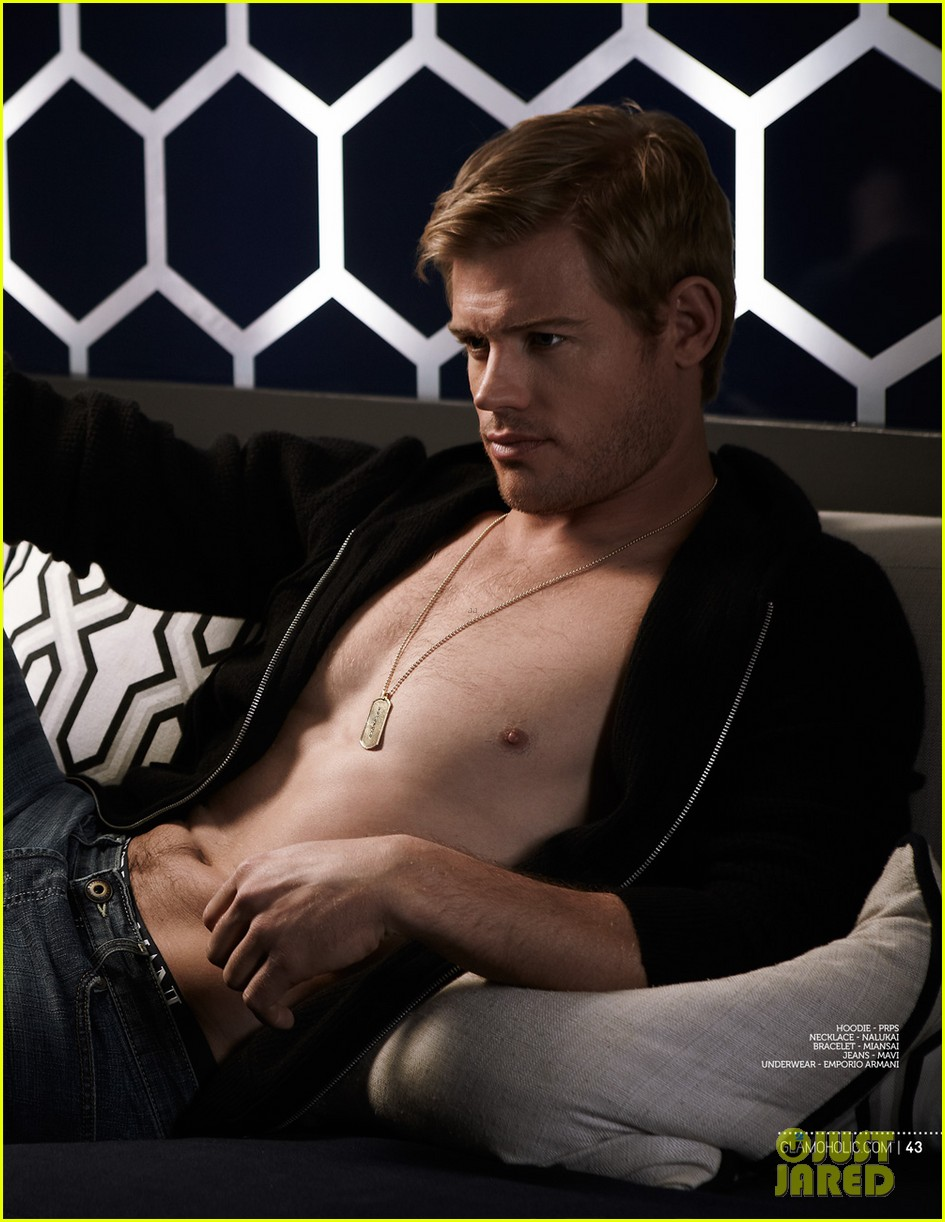 trevor donovan underwear clad glamoholic april 2013 cover 03