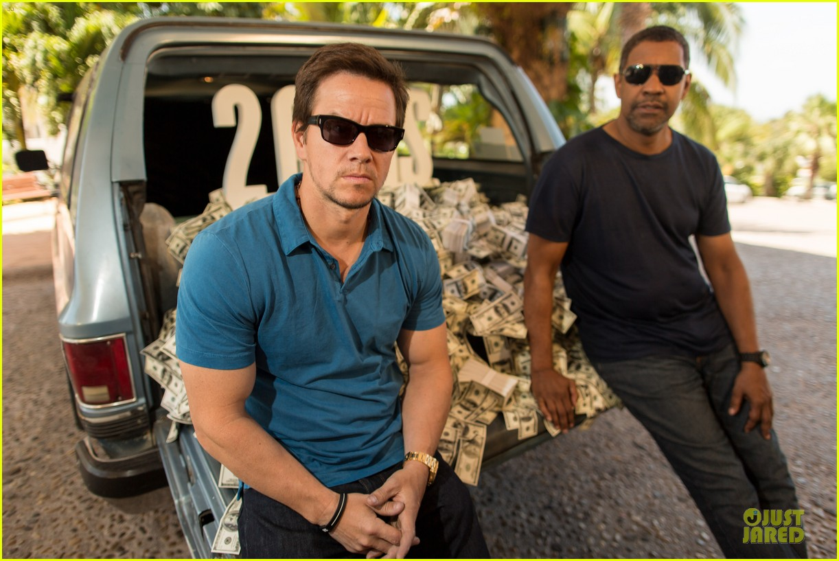 mark wahlberg denzel washington 2 guns mexican photo call 112854255