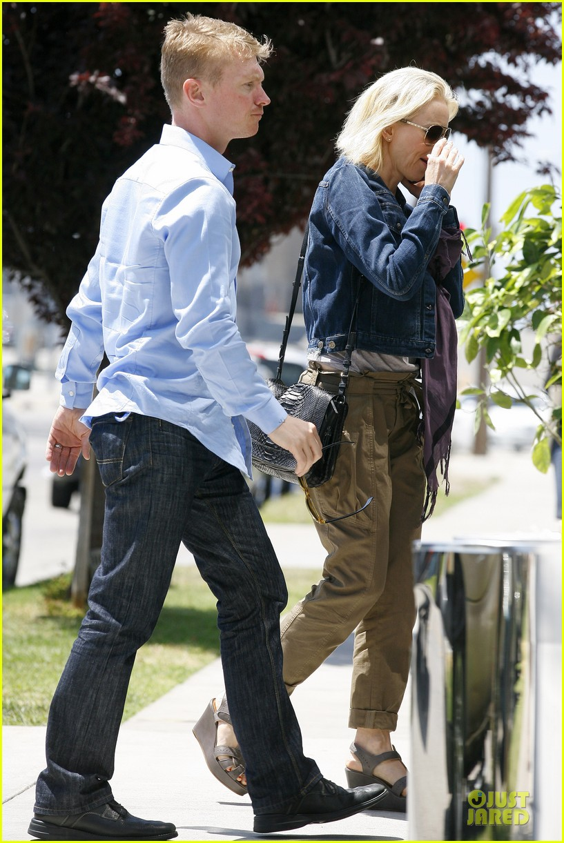 naomi watts liev schreiber tavern dinner with the boys 152858981