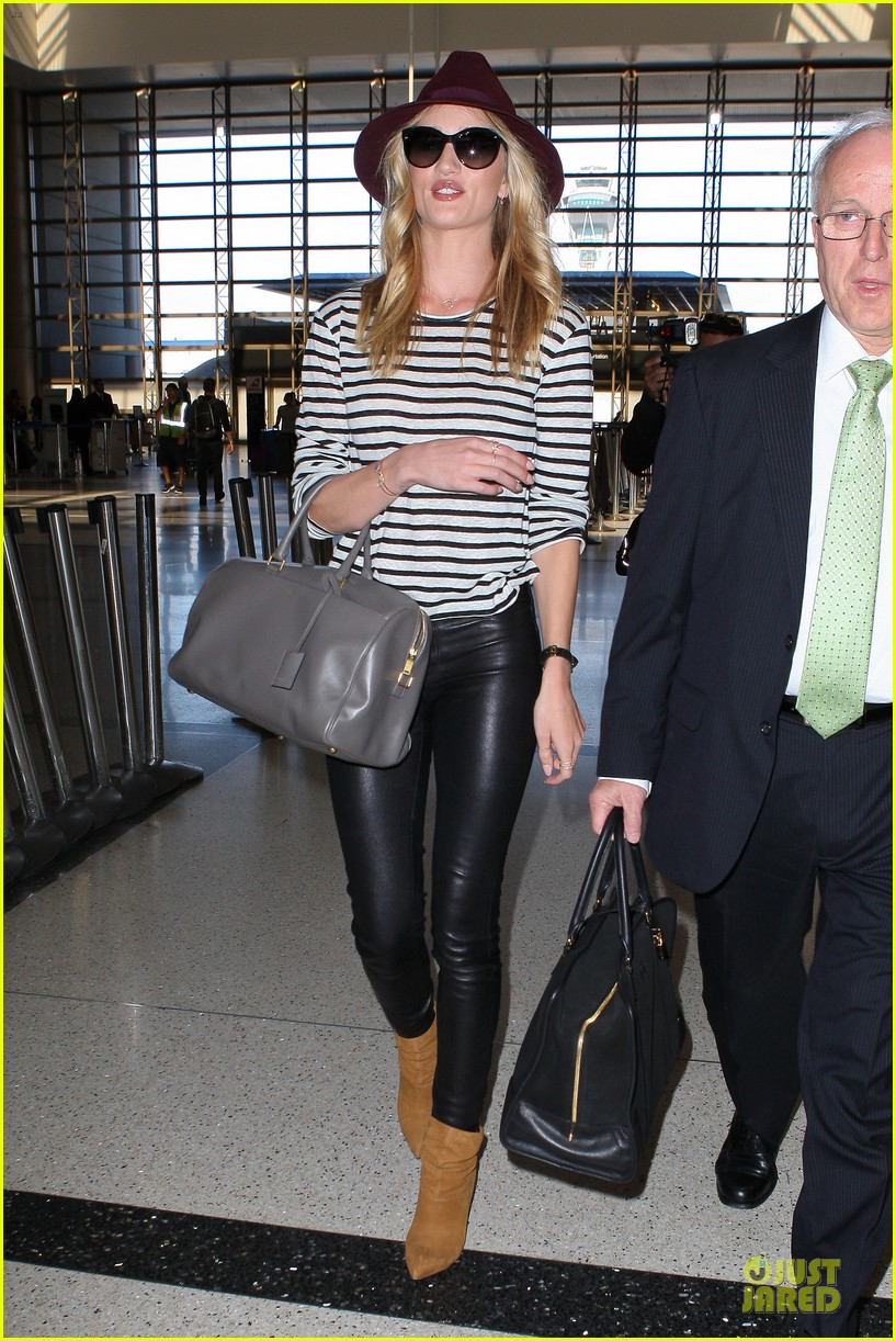 rosie huntington whiteley lax arrival after new orleans trip 09