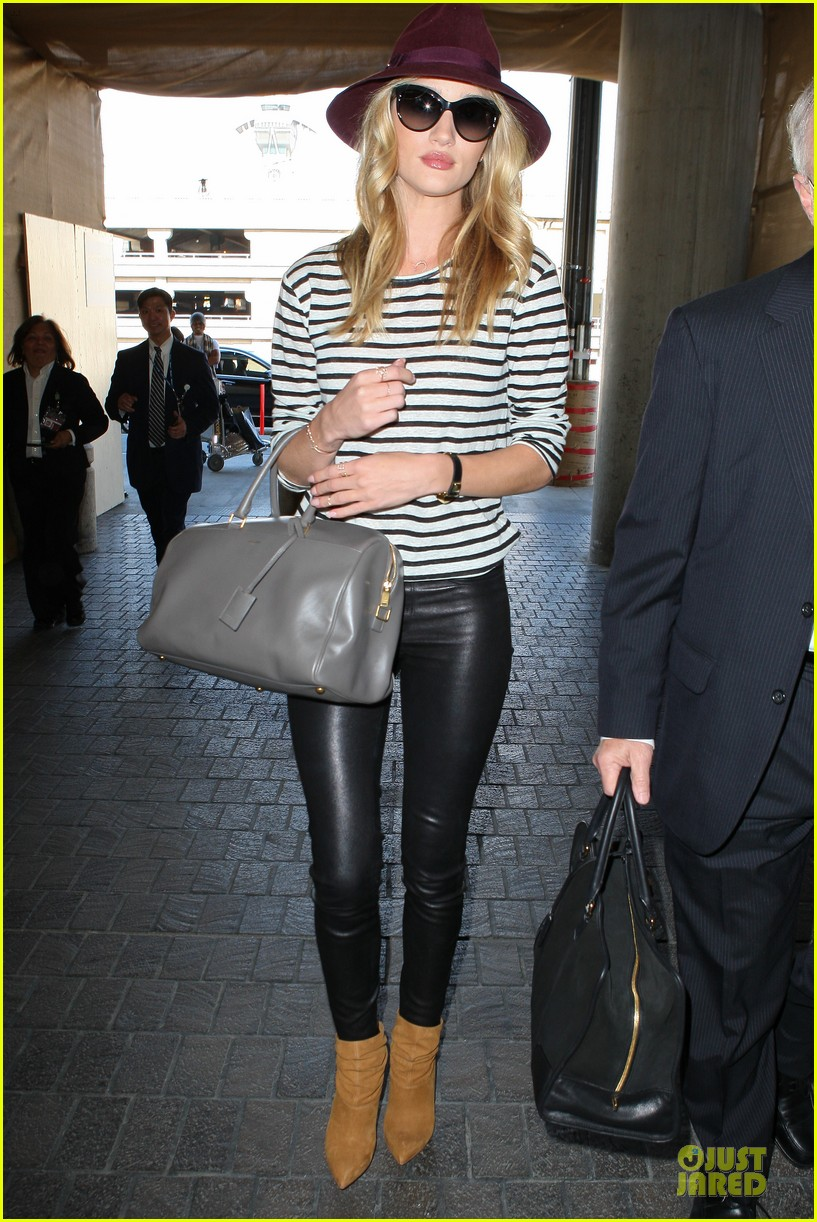 rosie huntington whiteley lax arrival after new orleans trip 12