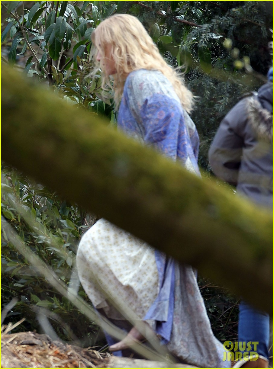 kate winslet a little chaos set with alan rickman 052855632