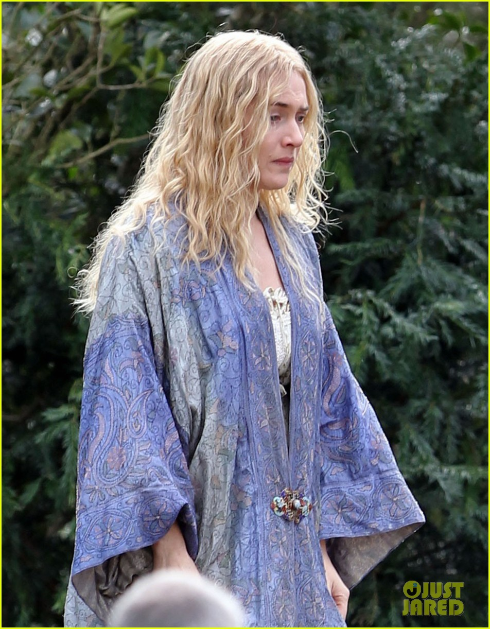 kate winslet a little chaos set with alan rickman 062855633