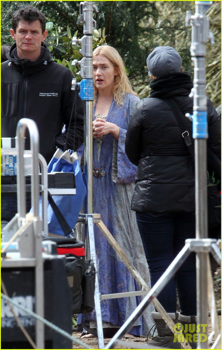 kate winslet a little chaos set with alan rickman 112855638