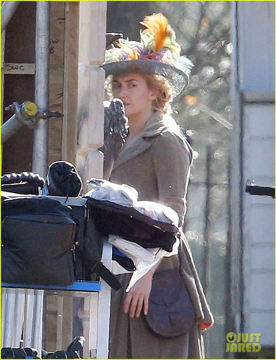kate winslet period costume on a little chaos set 04