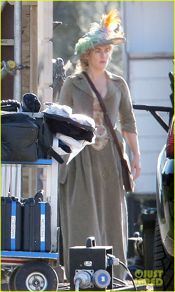 kate winslet period costume on a little chaos set 06