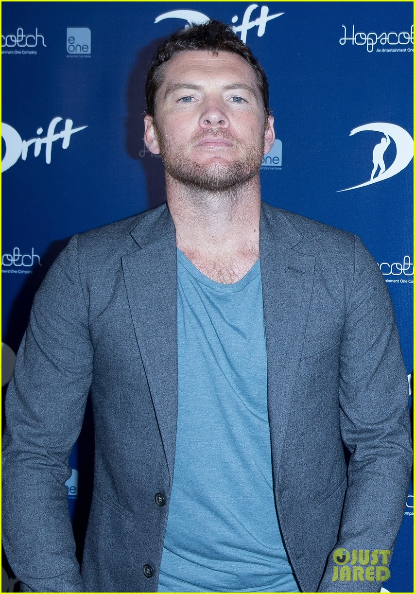 sam worthington xavier samuel drift sydney photo call 08