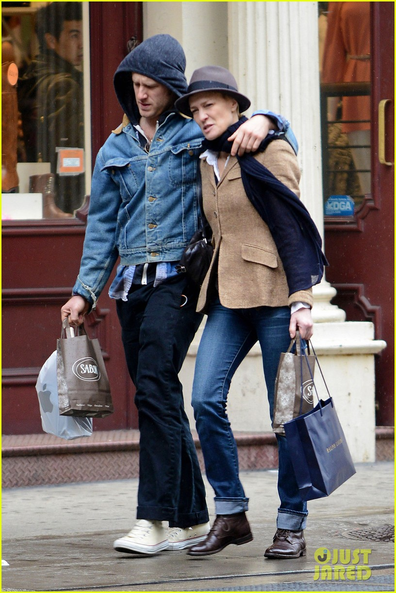 robin wright pre birthday stroll with ben foster 032845386