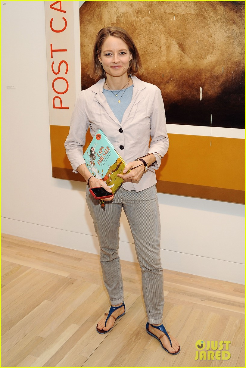 dianna agron jodie foster kids art museum project pals 032865026