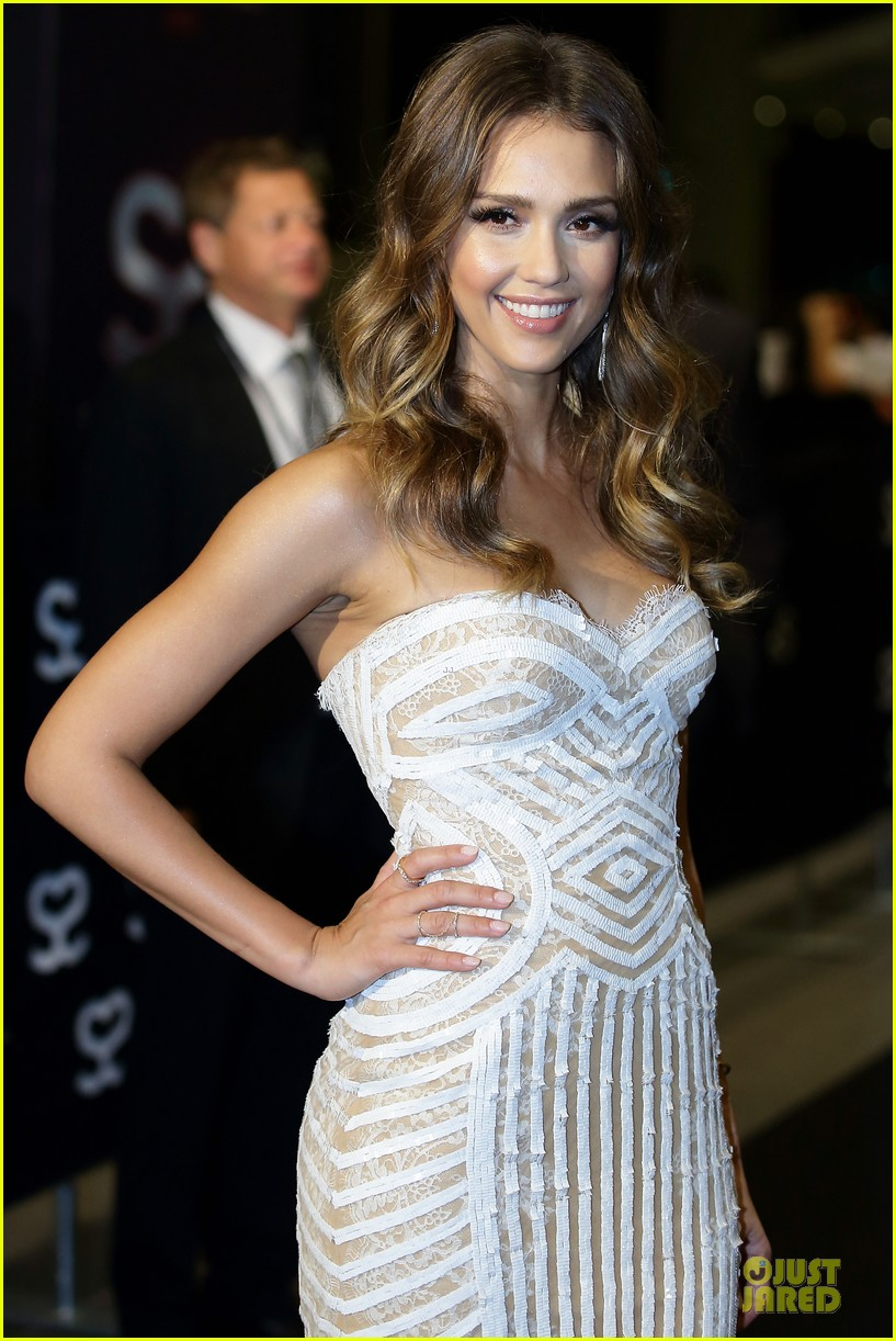 jessica alba carly rae jepsen social star awards 022876911
