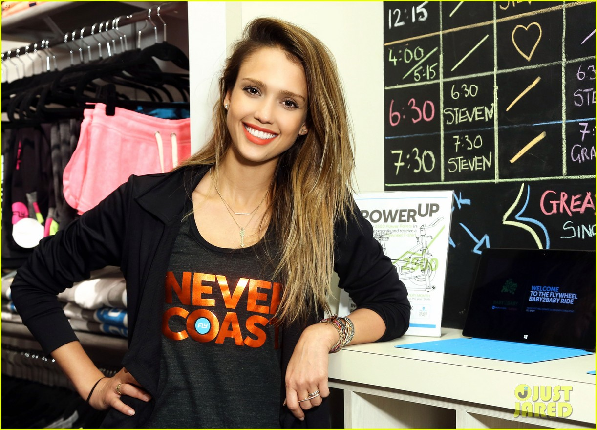 jessica alba cycling fundraiser for baby2baby 09