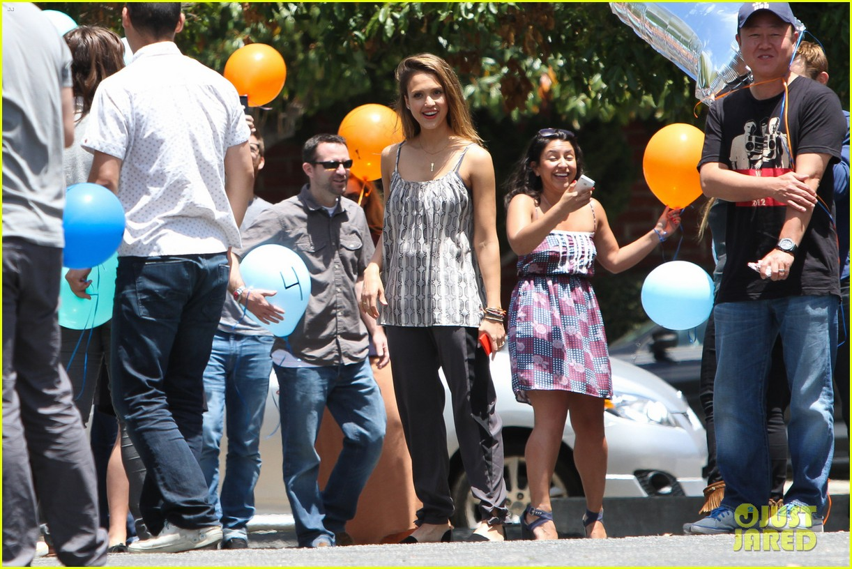 jessica alba cycling fundraiser for baby2baby 212870735