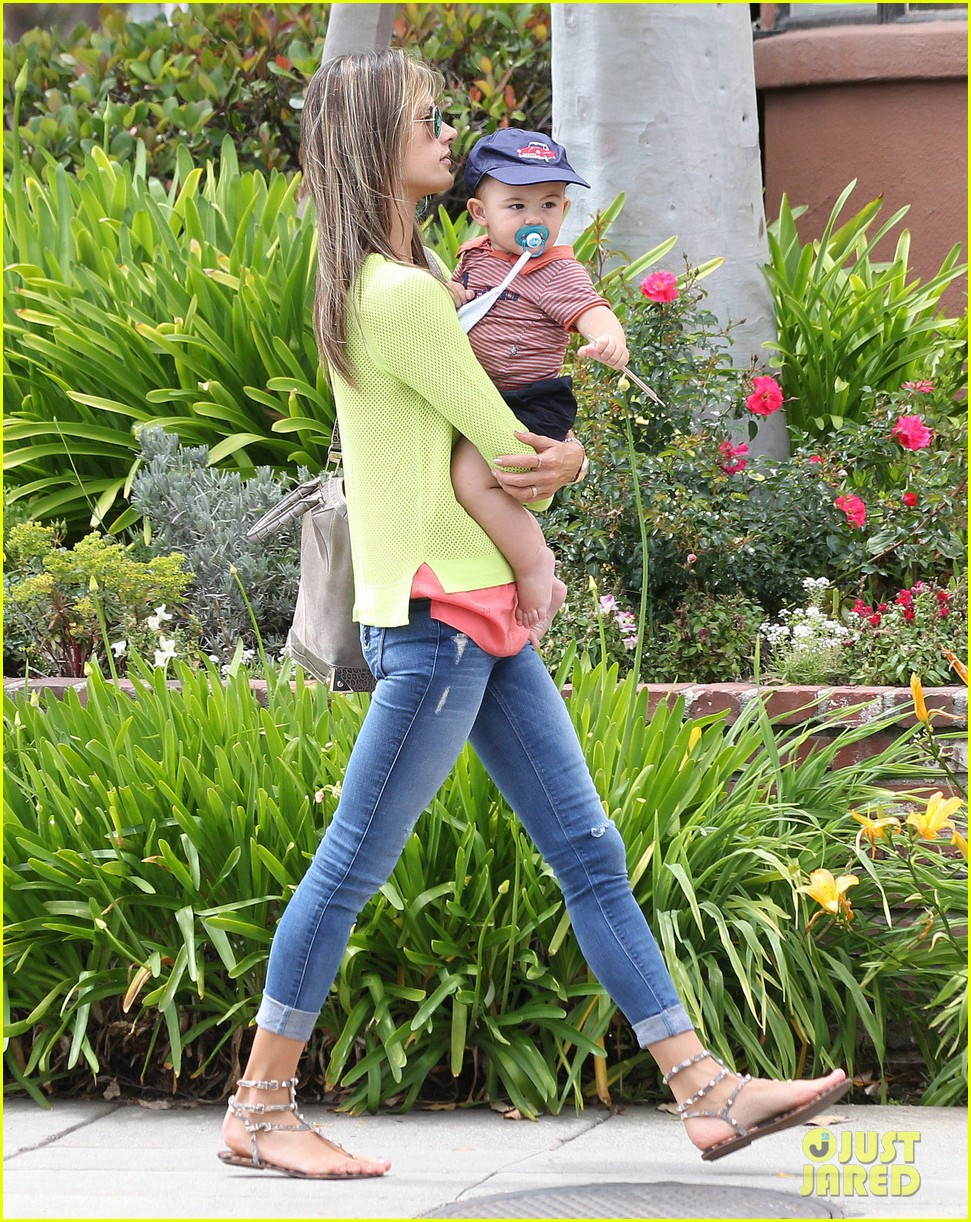 alessandra ambrosio happy early mothers day 032867921