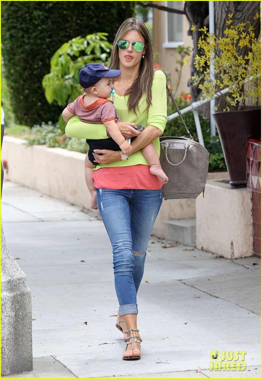 alessandra ambrosio happy early mothers day 13
