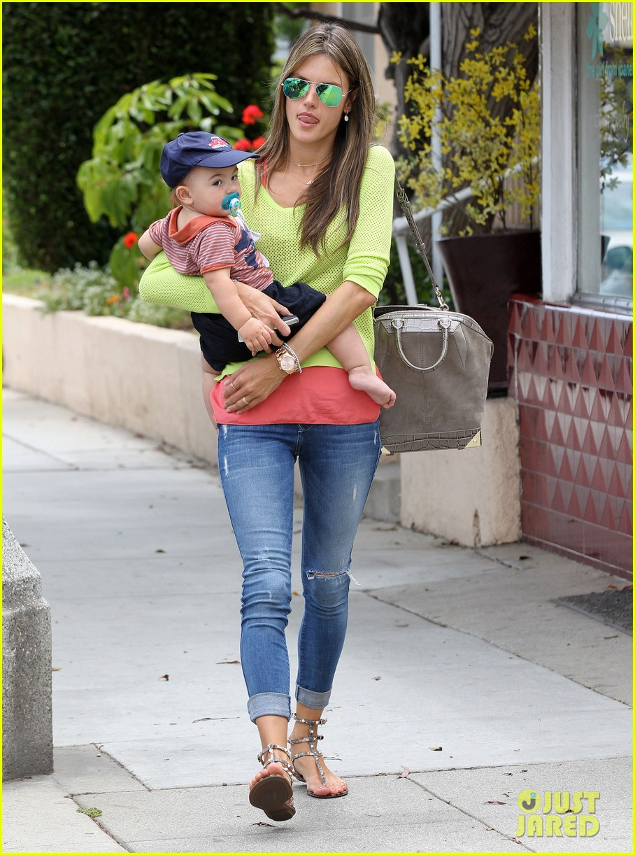 alessandra ambrosio happy early mothers day 15