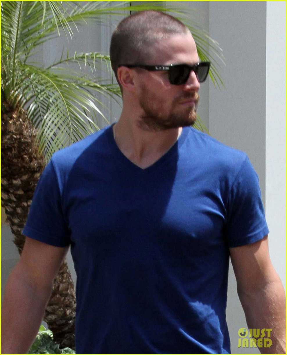 stephen amell christian grey will not be me 05