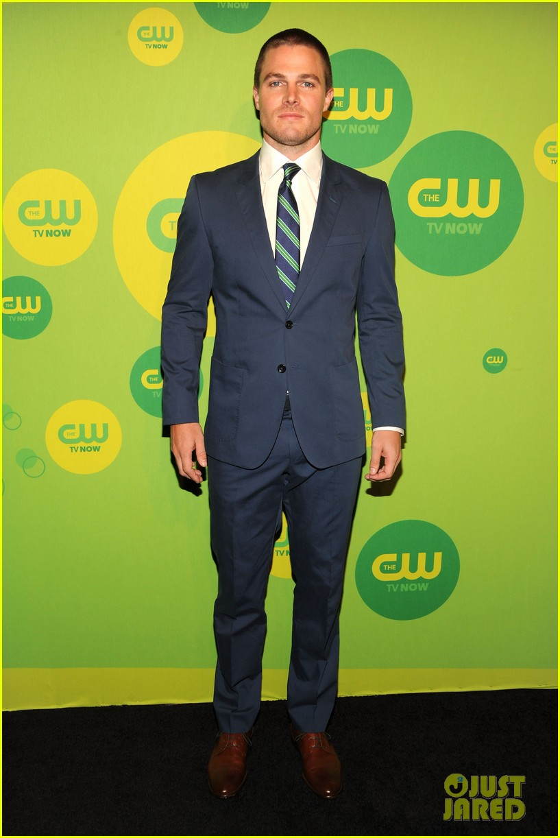 stephen amell colton haynes arrow cw upfront presentation 03