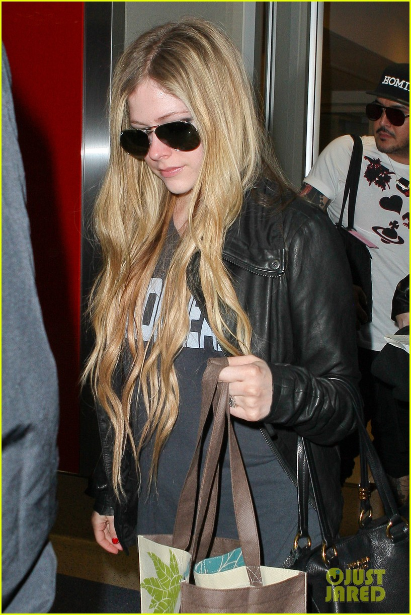 avril lavigne lax arrival after dwts performance 022871658