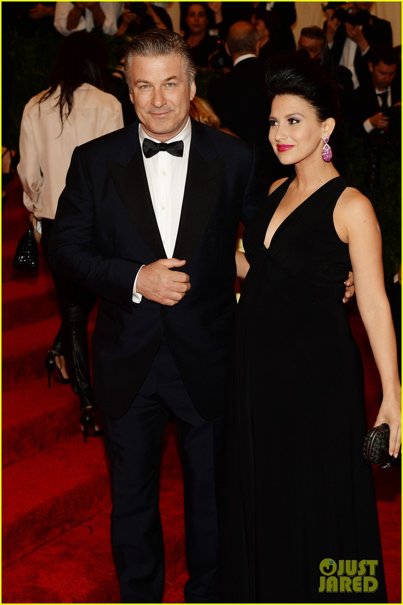 alec hilaria baldwin met ball 2013 red carpet 022865889