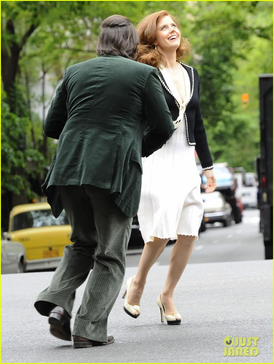 christian bale amy adams dance hold hands on set 06