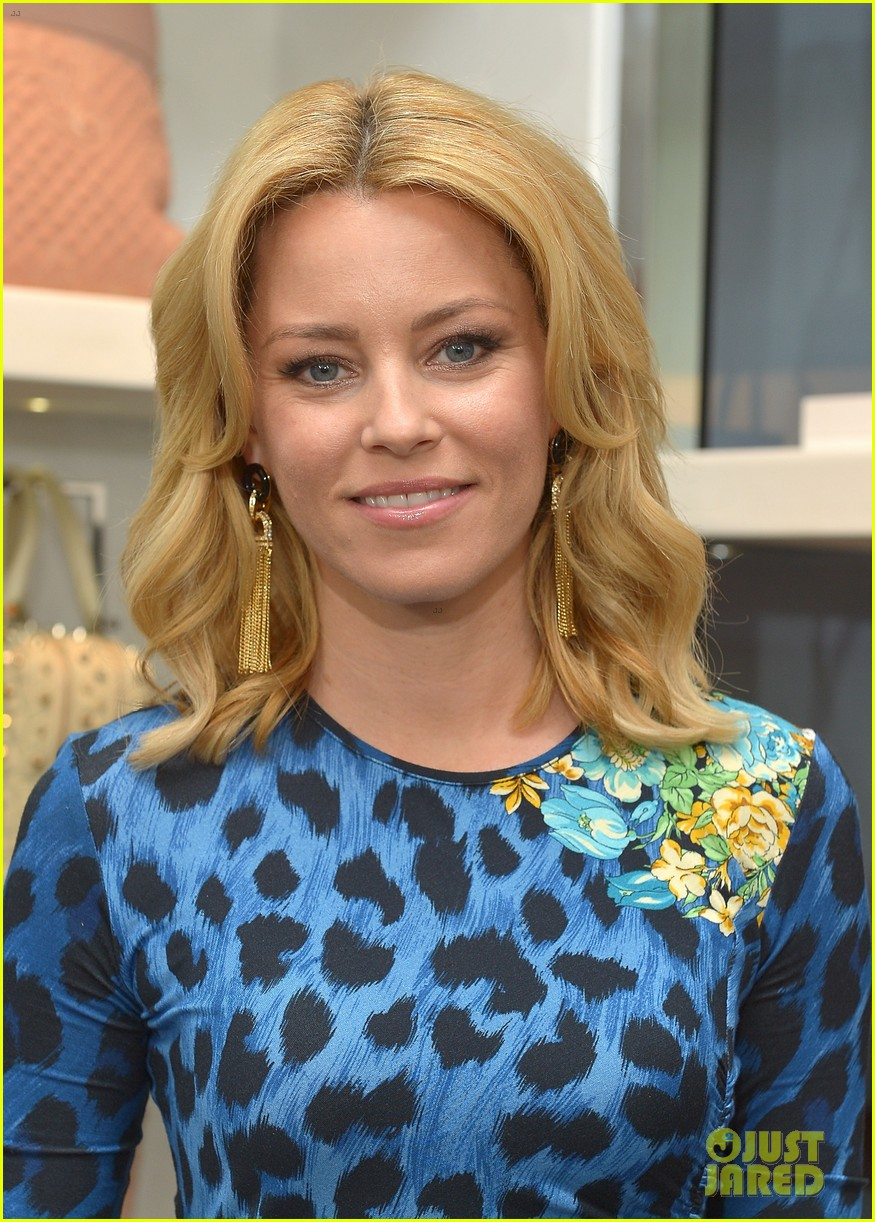 elizabeth banks vanity fair versace vital voices dinner 08