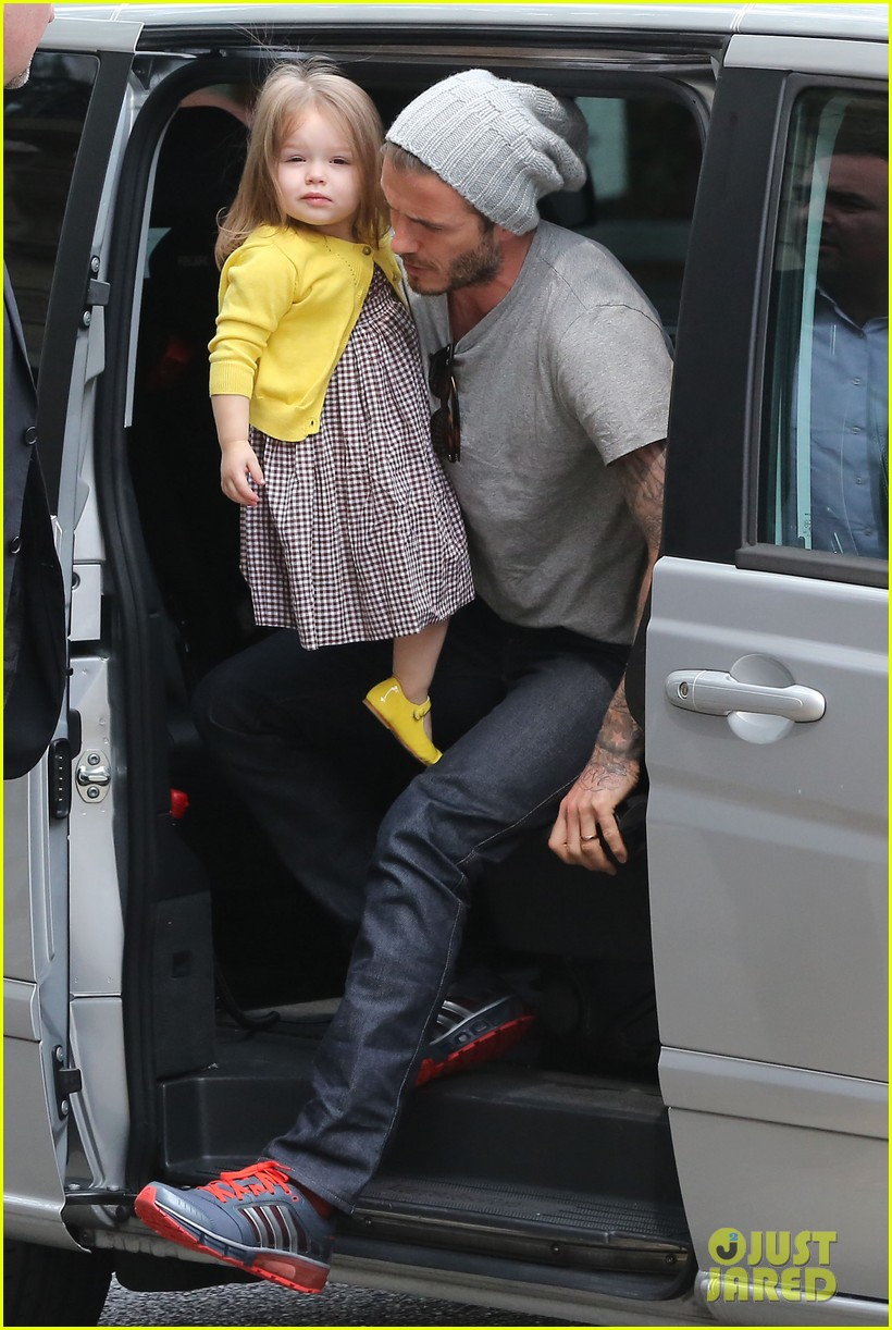 david victoria beckham shopping fun with harper 01