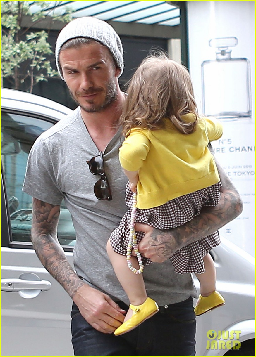 david victoria beckham shopping fun with harper 27
