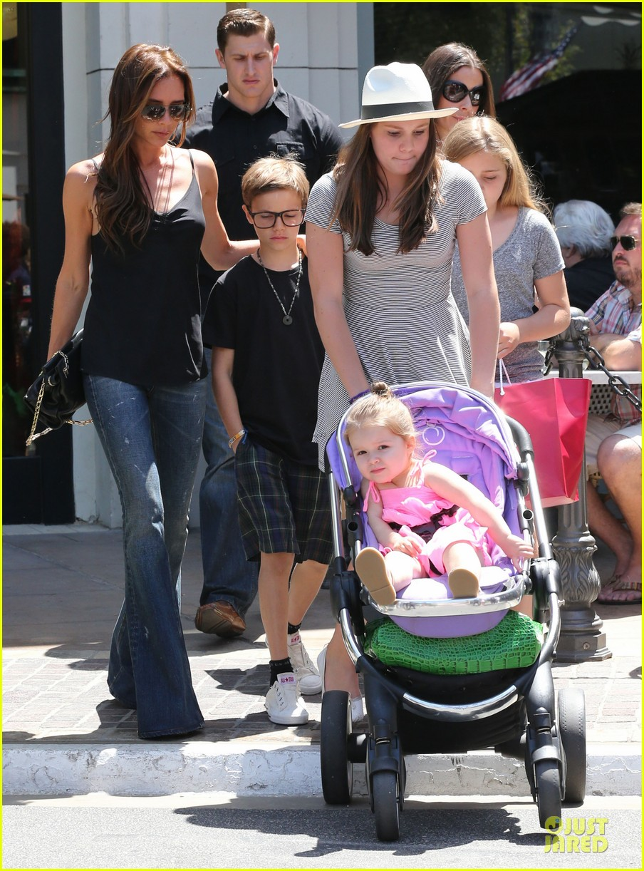 victoria david beckham separate shopping trips with the kids 232879619
