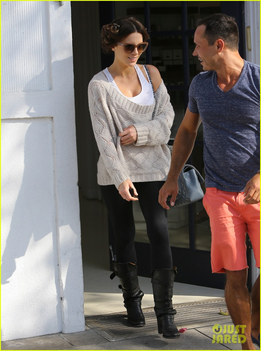 kate beckinsale byron tracey salon visit 152873257