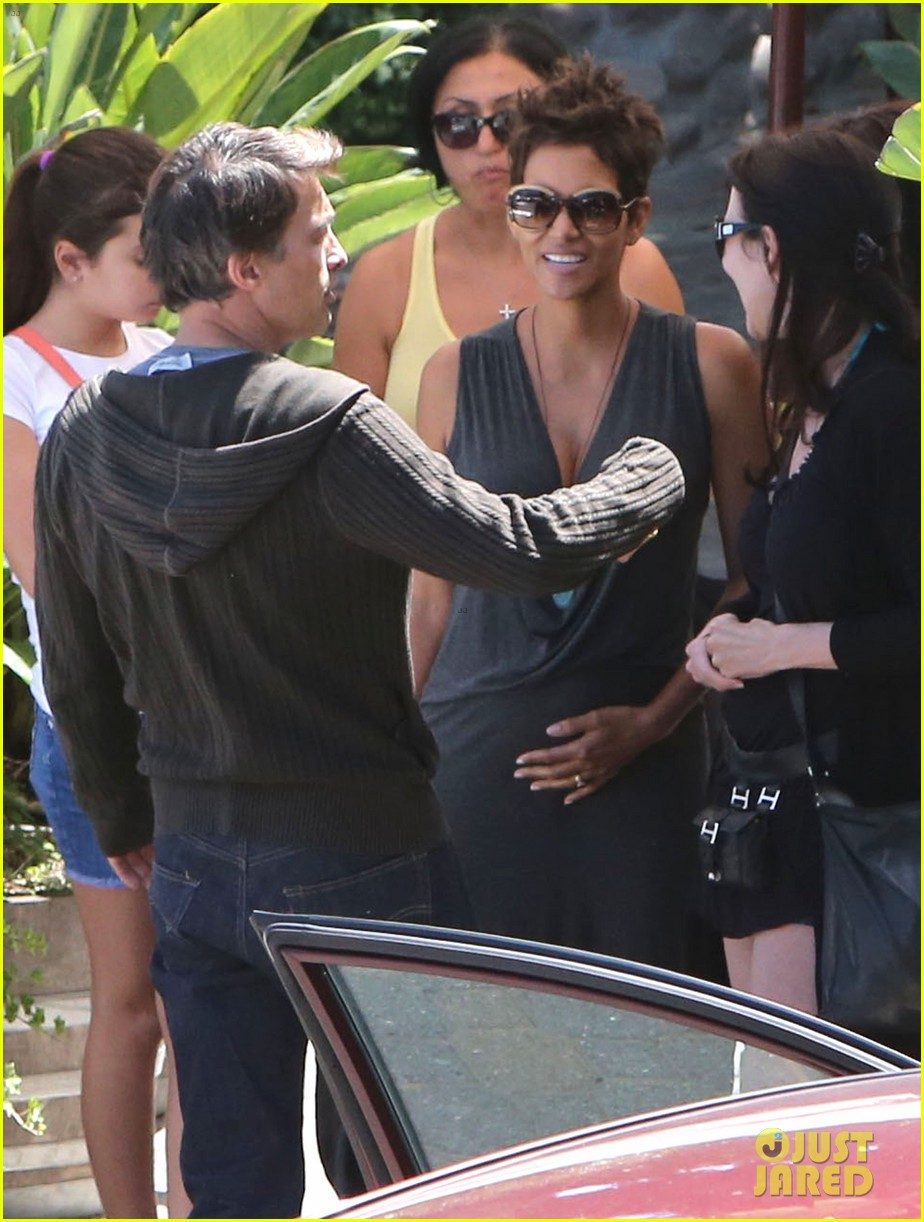 halle berry olivier martinez geoffreys couple 082874524