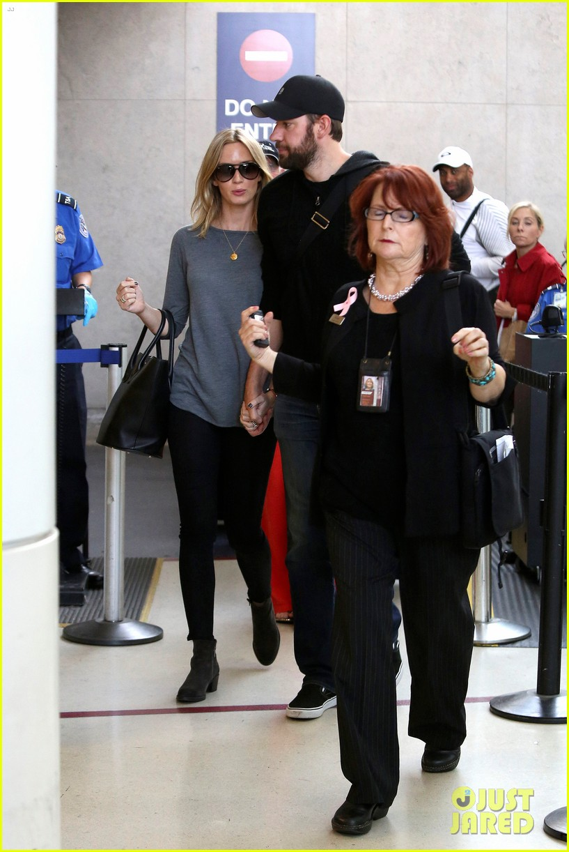 emily blunt john krasinski return to los angeles 10