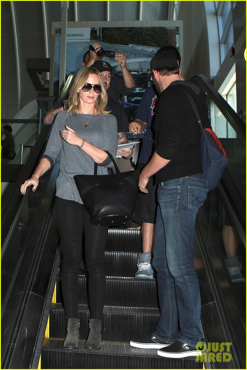 emily blunt john krasinski return to los angeles 11