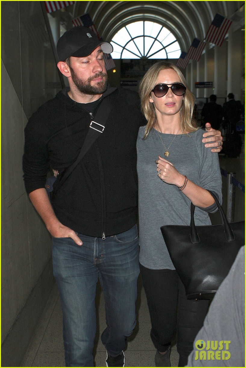 emily blunt john krasinski return to los angeles 142868195