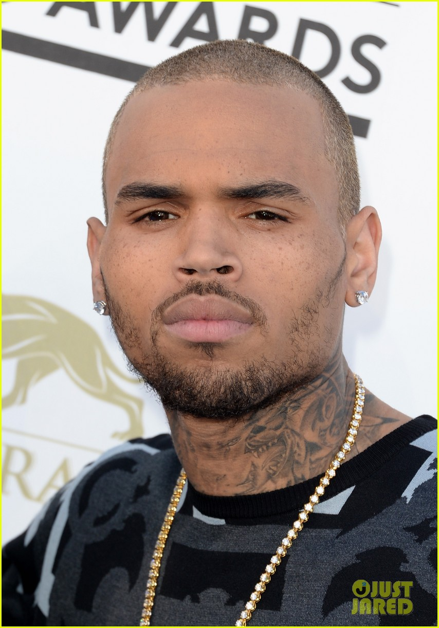 chris brown billboard music awards 2013 red carpet 042874032