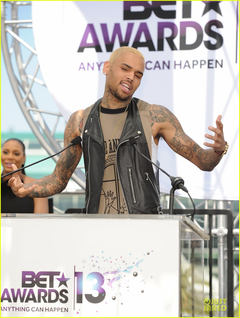 chris brown bet awards press conference 09