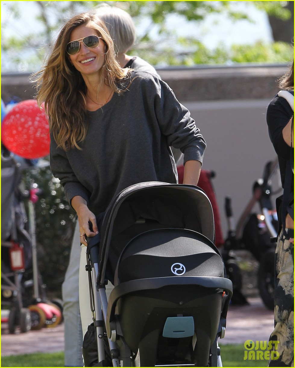gisele bundchen plays with kids tom brady derby dude 132863806