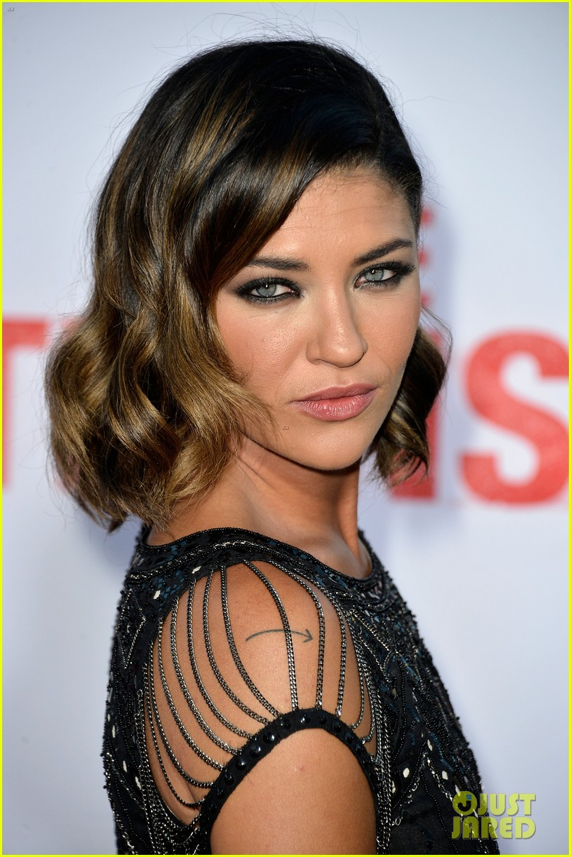 rose byrne jessica szohr the internship premiere 022880402