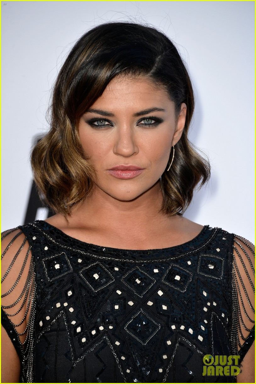 rose byrne jessica szohr the internship premiere 09