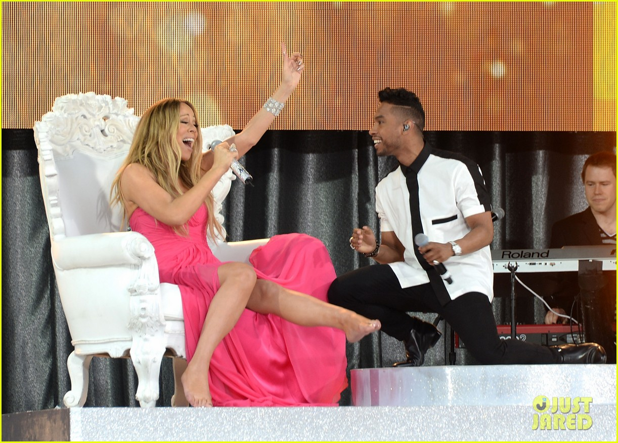 mariah carey wardrobe malfunction on gma 14