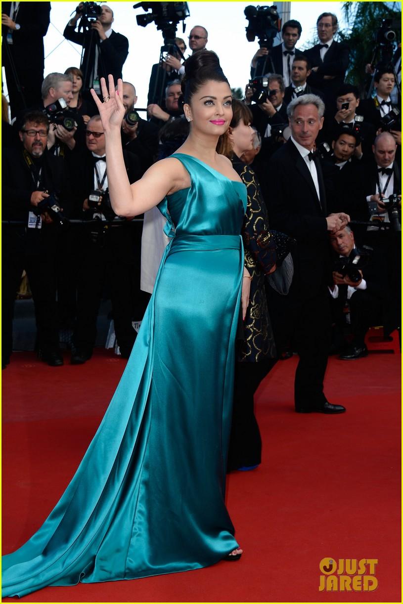 jessica chastain aishwarya rai cleopatra cannes premiere 032875508