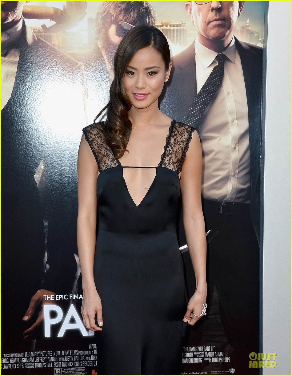 jamie chung naya rivera the hangover part iii premiere 06
