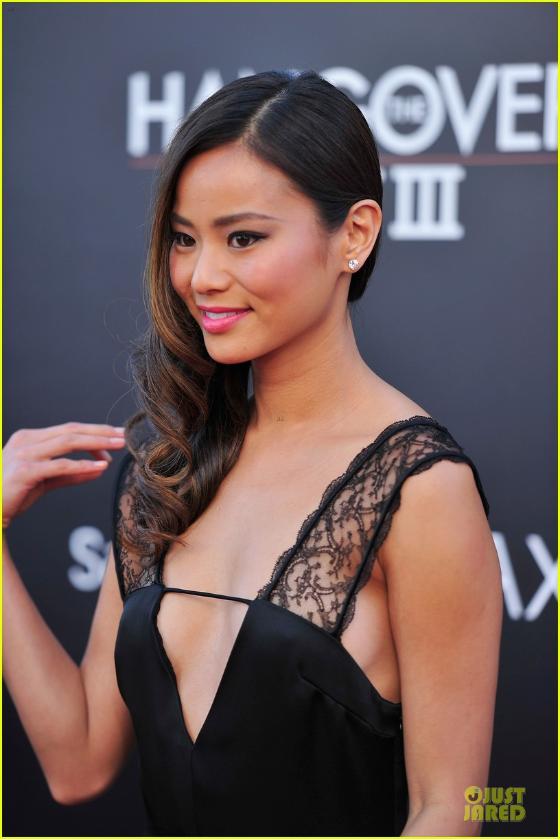 jamie chung naya rivera the hangover part iii premiere 14