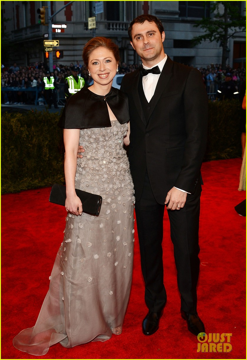 chelsea clinton marc mezvinsky met ball 2013 red carpet 05