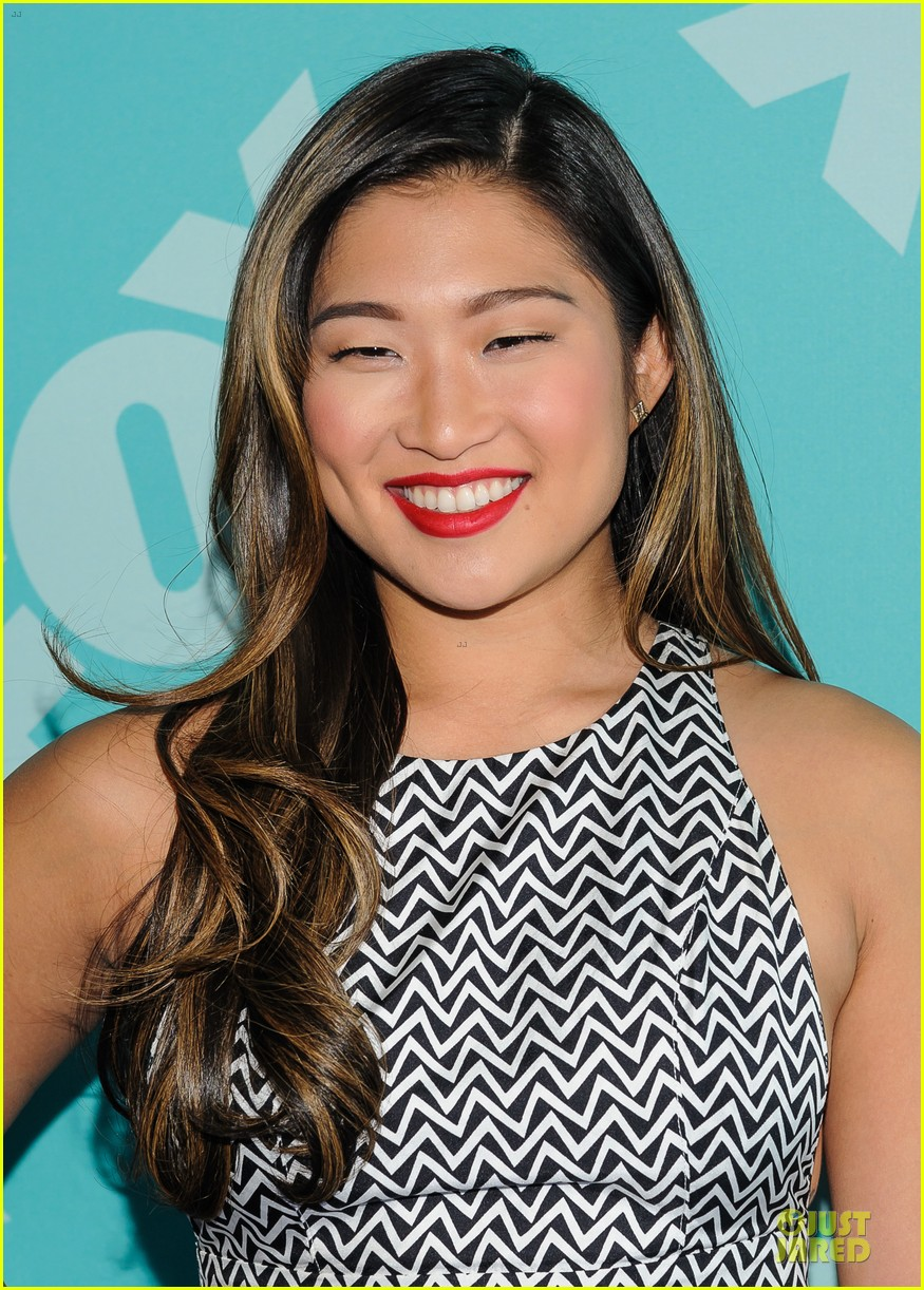 jenna ushkowitz chris colfer fox upfront presentation with glee cast 092869953