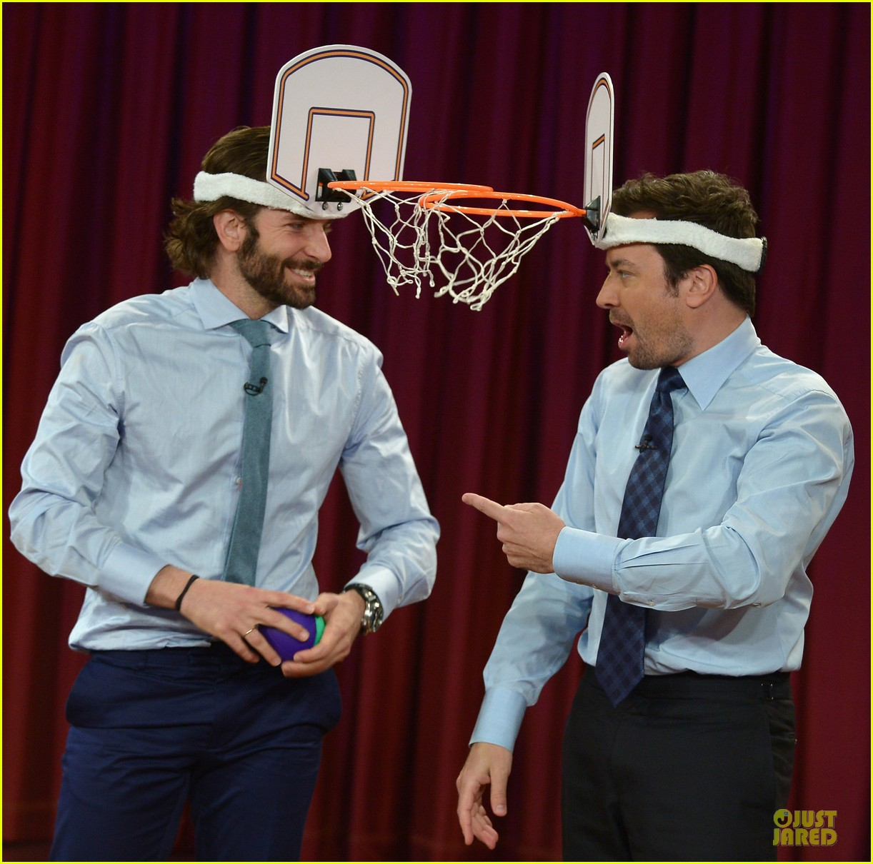 bradley cooper wears mini basketball hoop on fallon 042869760