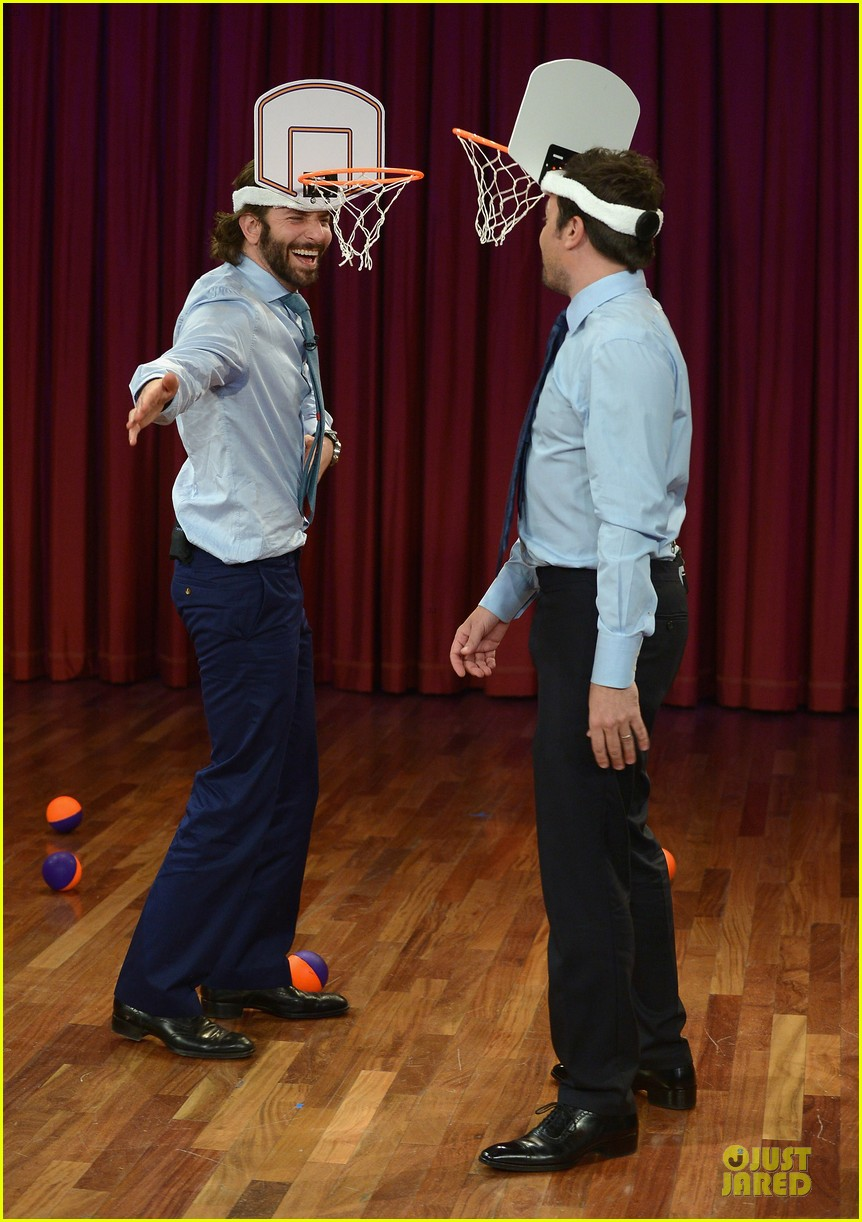 bradley cooper wears mini basketball hoop on fallon 05